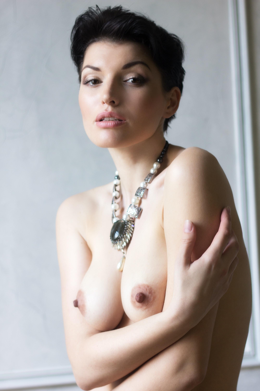 Aliona Nude art nudes